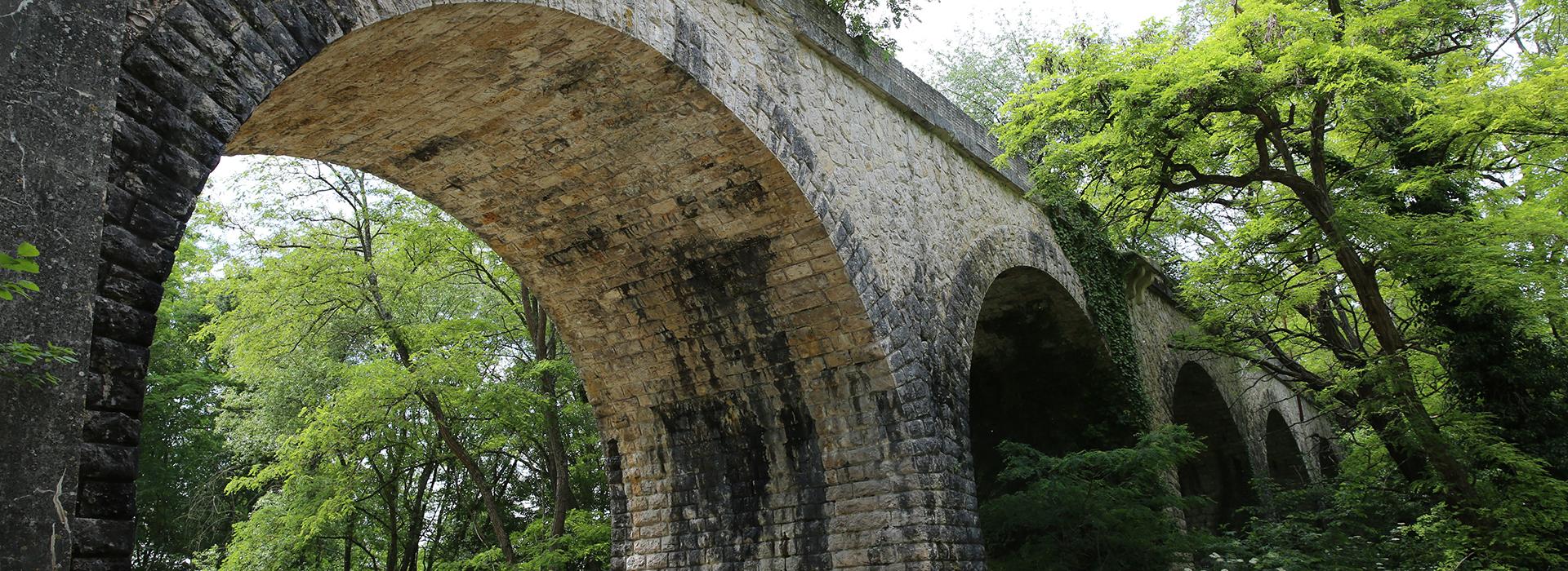 vieux-pont de la chaussée Saint-Victor