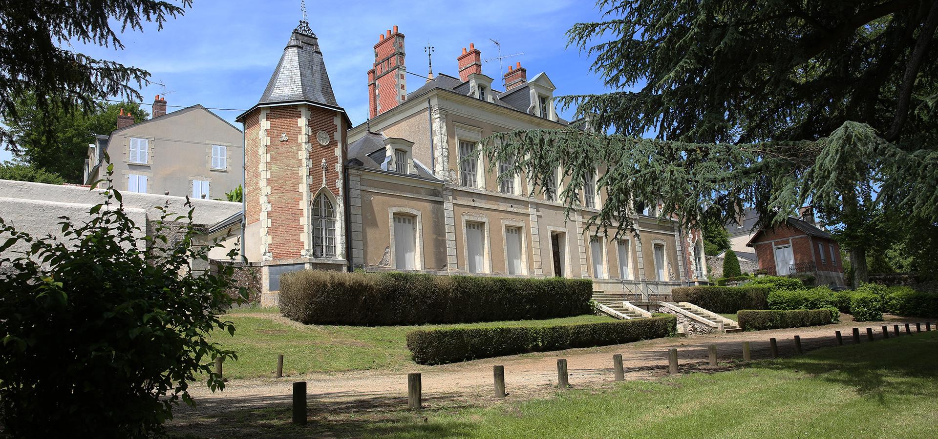 chateau-La-Chaussee-Saint-Victor